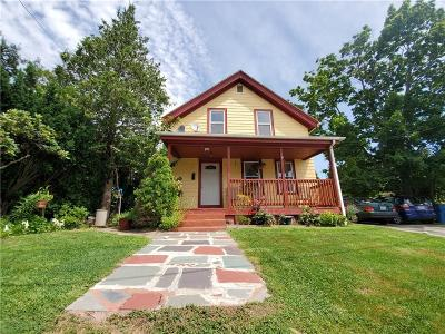Cranston Single Family Home For Sale: 31 Lawrence St