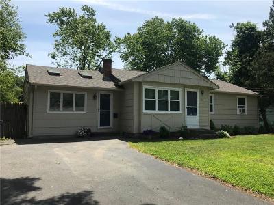 Warwick Single Family Home For Sale: 126 Cushing Rd