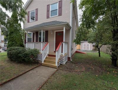 Providence RI Single Family Home For Sale: $153,500