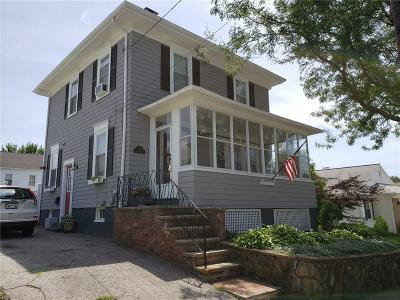 Providence RI Single Family Home For Sale: $254,000
