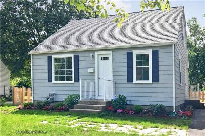 North Kingstown Single Family Home For Sale: 98 Ewing Rd