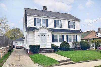 Providence RI Single Family Home For Sale: $279,900
