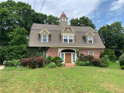 Providence County Multi Family Home For Sale: 259 Norwood Av