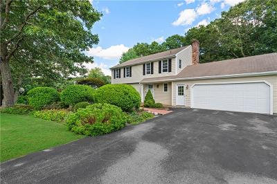 North Kingstown Single Family Home For Sale: 35 Tomahawk Circle