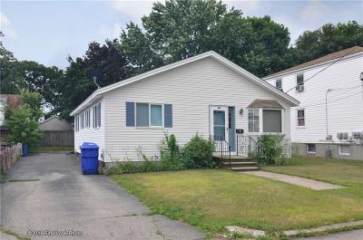 Pawtucket Single Family Home For Sale: 47 Dawson St
