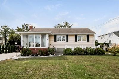 Westerly Single Family Home For Sale: 56 Winnapaug Rd