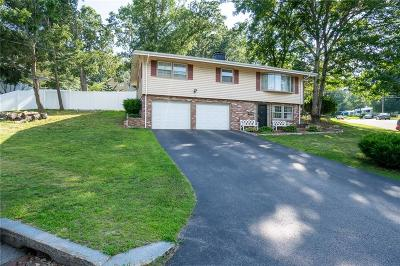 Woonsocket Single Family Home For Sale: 6 Blue Stone Dr
