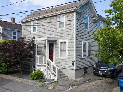 Bristol Single Family Home For Sale: 2 Wilson St