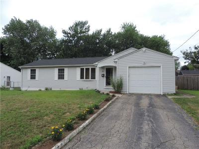 Woonsocket Single Family Home For Sale: 584 Walnut Hill Rd