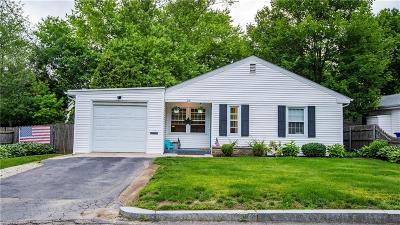 East Providence Single Family Home For Sale: 35 Magnolia St