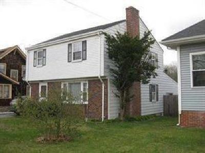 East Providence Single Family Home For Sale: 1838 Pawtucket Av