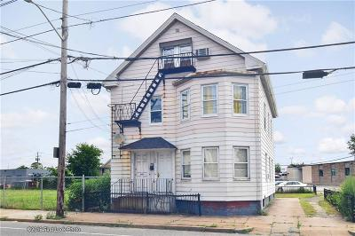 Providence Multi Family Home For Sale: 1076 Eddy St