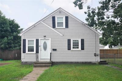 Pawtucket Single Family Home For Sale: 295 Vine Street