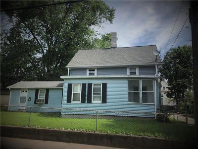 Pawtucket Single Family Home For Sale: 31 Cherry Street