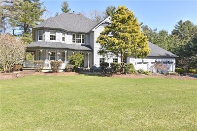 North Kingstown Single Family Home For Sale: 362 Sage Trail