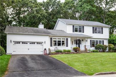 Cranston Single Family Home For Sale: 40 Whispering Pines Dr