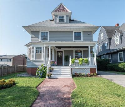 Providence County Single Family Home For Sale: 55 South Angell St