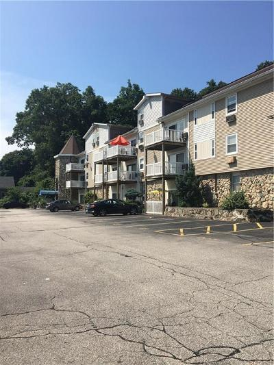 Woonsocket, North Smithfield, Burrillville, Smithfield, Lincoln, Cumberland, Central Falls, North Providence, Providence, Johnston, Cranston, Warwick, Pawtucket, East Providence Condo/Townhouse For Sale: 260 George Waterman Rd, Unit#302 #302