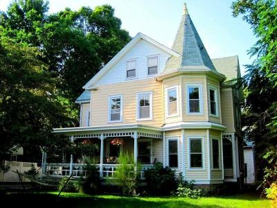 Coventry Single Family Home For Sale: 681 Washington Street
