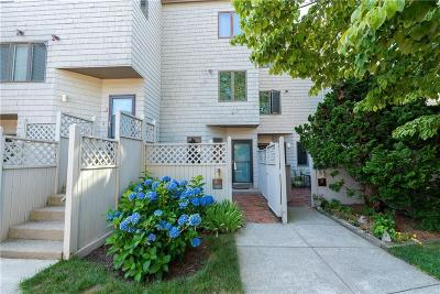 Bristol Condo/Townhouse For Sale: 48 Seabreeze Lane