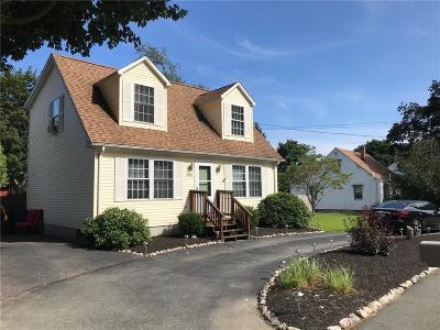 Cranston Single Family Home For Sale: 548 Phenix Av
