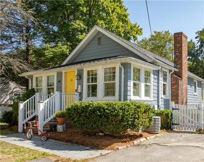 Attleboro Single Family Home For Sale: 37 Dexter Street
