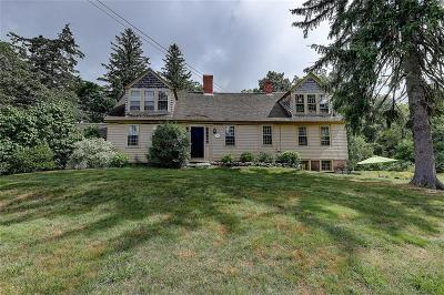 Cumberland Single Family Home For Sale: 107 Tower Hill Rd