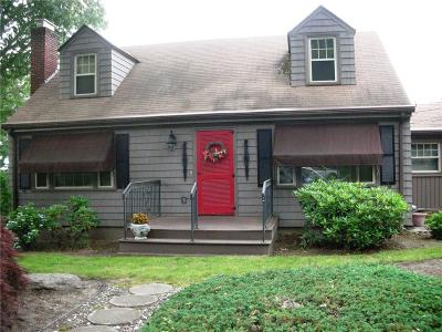 Cranston Single Family Home For Sale: 73 Deerfield Rd