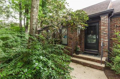 Johnston Single Family Home For Sale: 27 Teakwood Dr
