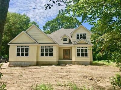 North Kingstown Single Family Home Act Und Contract: 548 Glen Hill Dr