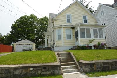 Cranston Single Family Home For Sale: 100 Chestnut Av