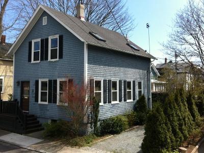 Newport RI Single Family Home For Sale: $674,000