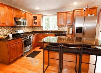 Warwick Single Family Home For Sale: 77 Spinnaker Lane