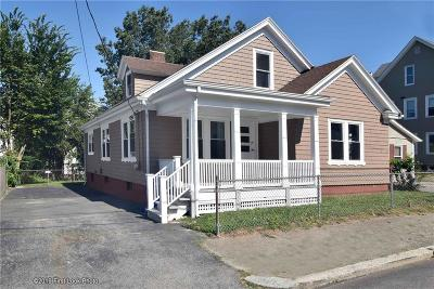 Pawtucket Single Family Home For Sale: 11 Walker St