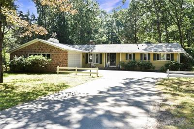 East Greenwich Single Family Home For Sale: 202 Kent Dr