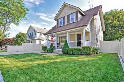 East Providence Single Family Home For Sale: 337 Pleasant St
