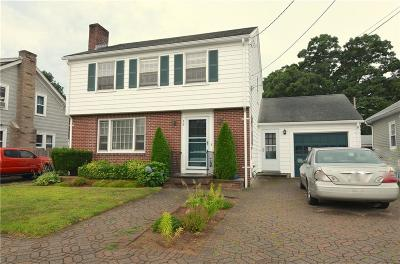 Cranston Single Family Home For Sale: 48 Brookwood Rd