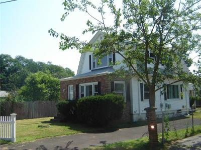 RI-Providence County, RI-Kent County, Kent County, Providence County, Windham County Single Family Home For Sale: 12 Chiswick Rd