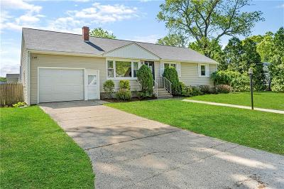 East Greenwich Single Family Home For Sale: 66 Cora St