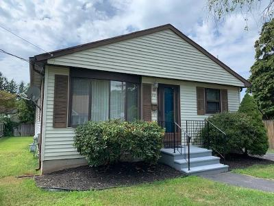Providence County, RI-Providence County Single Family Home For Sale: 93 Hilton Av