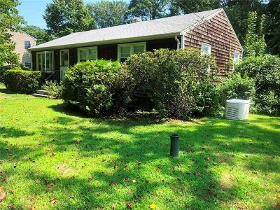 South Kingstown Single Family Home For Sale: 430 Pond St