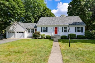 Cumberland Single Family Home For Sale: 39 Cadoret Dr