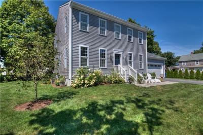 Bristol County Single Family Home For Sale: 15 Howard St