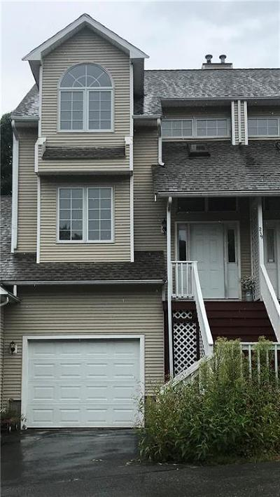 West Warwick Condo/Townhouse For Sale: 219 River Farms Dr