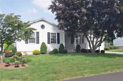 East Providence Single Family Home For Sale: 48 Farnum St
