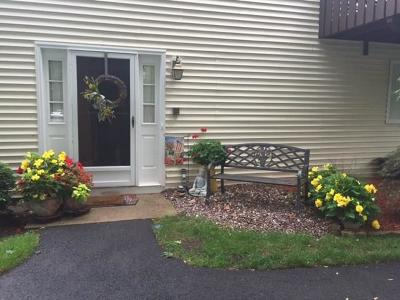 Warwick Condo/Townhouse For Sale: 344 Chatham Cir