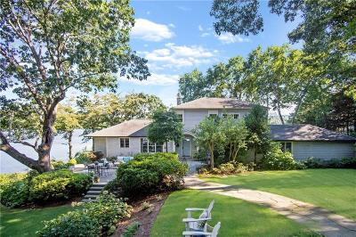 North Kingstown Single Family Home For Sale: 970 Gilbert Stuart Road