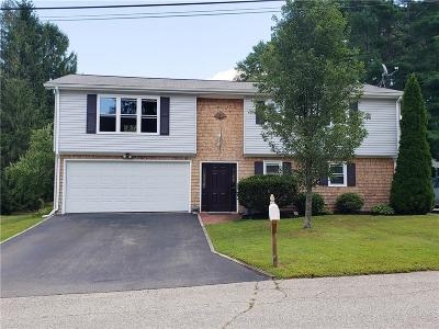 West Warwick Single Family Home For Sale: 28 Sycamore Dr