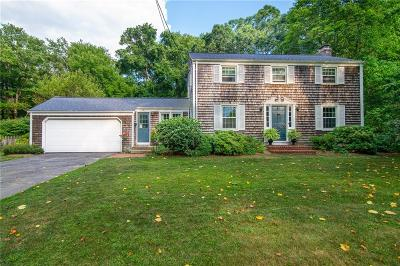 Bristol County Single Family Home For Sale: 19 Rustwood Dr
