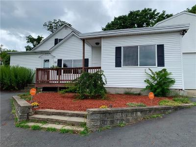 Woonsocket Single Family Home For Sale: 33 Saint Barnabe St